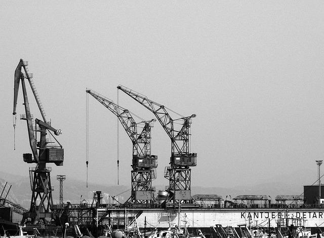 cranes-498756_640